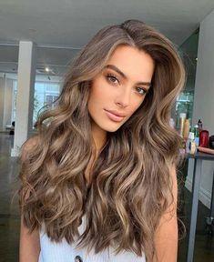 Ash Brown Hair Color, Brown Blonde Hair, Light Brunette Hair, Light Brown Hair Colors, Balayage Hair Light Brown, Pretty Brown Hair, Natural Brown Hair, Brunette Hair Colors, Lightest Brown Hair Color