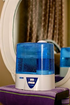 Humidifier during the winter gets rid of static, frizzy hair? WHAT?? why has no one told me about this??