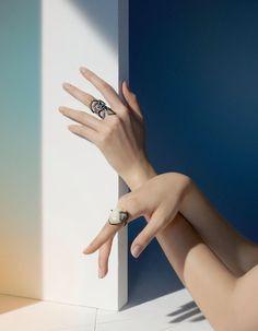 Jewelry Ads, Jewelry Model, Photo Jewelry, Jewelery, Fashion Jewelry, Hand Photography, Jewelry Photography, Fashion Photography, Hand Pose