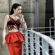 Special Thanks to Khun Pam, singer from GAIA, looking stunning in Athitthan's Rococo Red Crop Top with Red Wine Layer Skirt (Available now at www.athitthan.com)