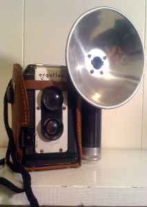 i collect old cameras and this is just kewl! :)
