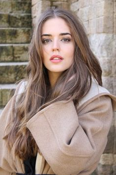 Picture of Clara Alonso Dark Blonde Hair Color, Brown Blonde Hair, Dark Hair, Brown Hair Looks, Girl With Brown Hair, Brown Hair For Pale Skin, Blonde Makeup, Brown Hair Shades, Light Brown Hair