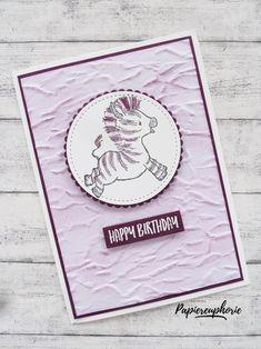 Geburtstagskarte Kinder birthdaycard Zany Zebras #diycards #crafting #astridspapiereuphorie #stampinup #stampinupösterreich #stampinupdemo #stampinupwien #kreativmitpapier #diy #zanyzebras #geburtstagskartefürkinder #birthdaycardforkids #handemadecards #cardmaking #paperlove #birthdaycard #geburtstagskarte #glückwunschkarte #bastelnmachtspass #diycards #creative #diykarten #papierliebe Zebras, Stampinup, Creative, Paper, Good Day, Stitching Patterns, Cordial, Projects, Cards