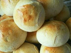 Verdens Bedste Boller, recipes for rolls in Danish Norwegian Food, Danish Food, Bread Bun, Eat Smart, Fodmap, Tasty Dishes, No Bake Cake, Bread Baking, Meringue