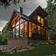 """6,918 curtidas, 60 comentários - Interior Design & Architecture (@homeadore) no Instagram: """"River Road Renovation by Peninsula Architects #homeadore #architecture #residence #house #property…"""""""