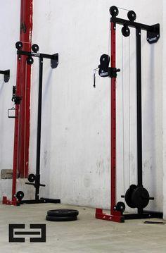 poleas para gimnasio casero - Google Search Home Made Gym, Diy Home Gym, Gym Room At Home, Homemade Gym Equipment, Diy Gym Equipment, No Equipment Workout, Gym Workouts, At Home Workouts, Gym Rack