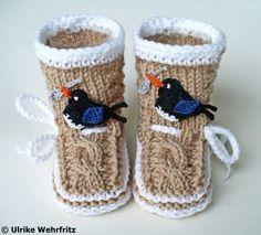 Diese Babyschühchen sind für die AKR Nr. 7 *vogelfrei* hergestellt.  Die Babyschuhe sind garantiert per Hand gestrickt bzw. gehäkelt. Sie sind mi...