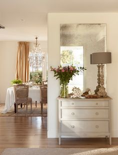 [New] The Best Home Decor (with Pictures) These are the 10 best home decor today. According to home decor experts, the 10 all-time best home decor. Interior Design Living Room, Living Room Decor, Interior Decorating, Elegant Home Decor, Diy Home Decor, Hall Deco, Credenza Decor, Small Space Interior Design, Sweet Home