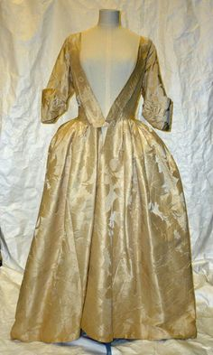 Gown made of damask silk. Circa 1743 England | V&A Search the Collections