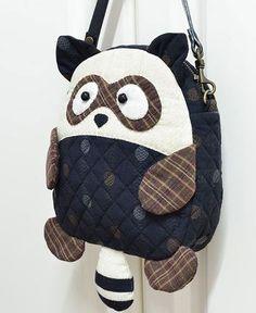 super cute bag from China Patchwork Bags, Quilted Bag, Mochila Tutorial, Bag Quilt, Animal Bag, Diy Backpack, Back Bag, Simple Bags, Denim Bag