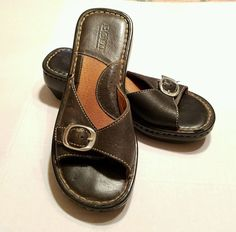Born Buckle Slide Clogs Mules Black Leather size 6 or 36.5 Style W3932 #Brn #Clogs