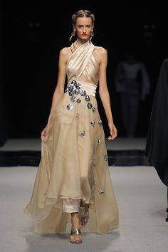 Isabel Nuñez colección Primavera Verano 2017 http://stylelovely.com/pasarela/isabel-nunez-coleccion-primavera-verano-2017/