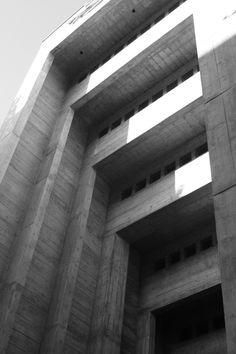 Simon Ungers 7 sacred spaces ?? - Portal der Antoniuskirche, Basel, Karl Moser, 1925-1927