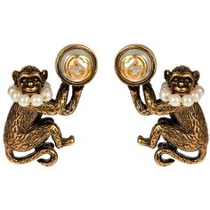 Gucci Pearl-effect and brass monkey earrings ($460) ❤ liked on Polyvore featuring jewelry, earrings, pearl jewellery, earring jewelry, gucci earrings, pearl earrings and gold tone earrings