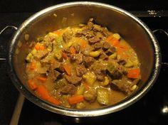 μοσχάρι με λαχανικά στην κατσαρόλα Thai Red Curry, Beef, Ethnic Recipes, Food, Meat, Essen, Meals, Yemek, Eten