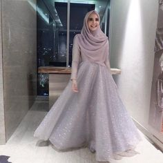 68 Ideas for party fashion style wedding Muslimah Wedding Dress, Muslim Wedding Dresses, Wedding Hijab, Dress Wedding, Muslim Fashion, Hijab Fashion, Runway Fashion, Fashion Dresses, Hijab Dress Party