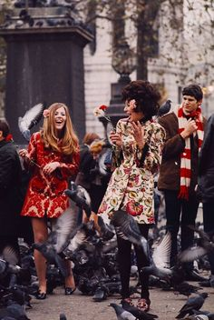 Swinging London Trafalgar Square, London in September, Vintage fashion Tokyo Street Fashion, London Fashion, Grunge Style, Soft Grunge, 60s And 70s Fashion, Mod Fashion, Vintage Fashion, Le Happy, Grunge Outfits