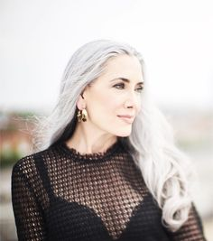 Manon crespi sexy salt & pepper in 2019 Hair Color Dark, Ombre Hair Color, Blonde Color, Grey Hair Journey, Light Bangs, Silver Haired Beauties, Brown Curls, Long Gray Hair, Beautiful Old Woman
