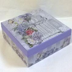Porta jóias com bandeja e 9 divisórias. Tinta pva cintilante Corfix lilás. Papel…
