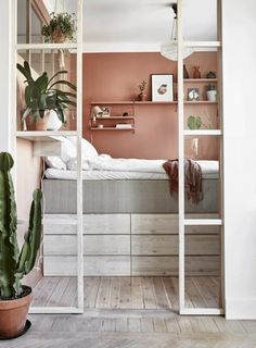 10 ways to arrange a small bedroom beautifully – Amaira💕 10 manieren om een kleine slaapkamer prachtig in te richten 10 ways to beautifully decorate a small bedroom – Everything to make your home your Home Small Bedroom Interior, Small Apartment Bedrooms, Small Space Bedroom, Small Bedroom Designs, Small Room Design, Small Space Living, Small Rooms, Small Apartments, Home Interior Design