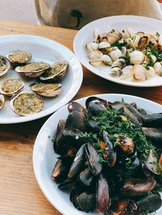 Delicios mussels and vongole Seafood Pasta, Mussels, Japchae, Ethnic Recipes, Clams, Blue Mussel