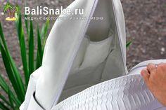 Рюкзачок из кожи питона. Размеры: 37 х 27 х 16. Цена: 9700 руб.  Заходите на BaliSnake.ru  По любым вопросам пишите в WhatsApp/ Viber: +79036678272 Вика.  #balisnake #рюкзачок #питон #рюкзак #рюкзаки #питонрюкзак #модный #модно #бали #изпитона #питона #недорого