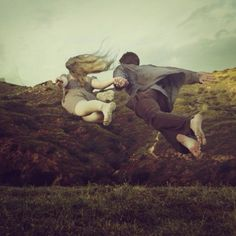 Anwar Nada Art *L'art aide à vivre*: brooke shaden - american surreal photographer Daily Inspiration Quotes, Story Inspiration, Writing Inspiration, Character Inspiration, Photoshoot Inspiration, Design Inspiration, Levitation Photography, Art Photography, Flying Photography