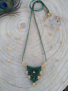 Minimal boho style necklaces, dainty macrame necklace, boho/bohemian jewelry, black and gold necklace, bohemian necklace Macrame Jewelry Tutorial, Necklace Tutorial, Macrame Necklace, Bohemian Necklace, Turquoise Necklace, Boho Chic, Boho Style, Seed Bead Jewelry, Beaded Jewelry