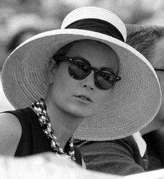 gracefilm:  Princess Grace's hats