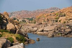 Hampi, laidback town with lots of interesting rock formations and old temples