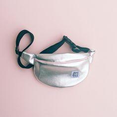 silver lamé fanny pack - ban.do