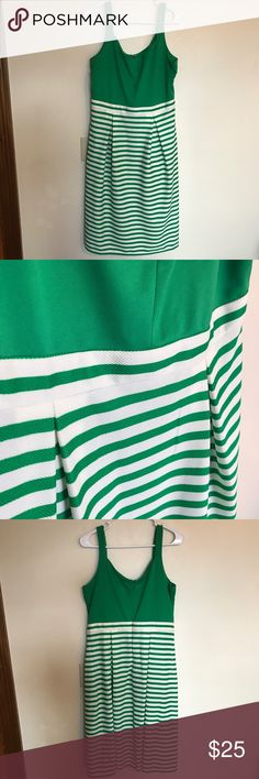 NWT Kelly Green Pocket Dress Brand new with tags from Charming Charlie's. So classy and cute, plus pockets! Smoke free home. Charming Charlie Dresses Midi