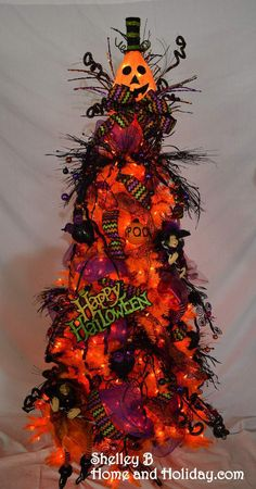 shelley b decorated halloween tree sold out