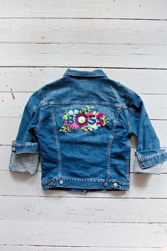 DIY | Embroidered De
