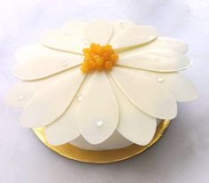 4,861 mentions J'aime, 33 commentaires - @dominiqueansel sur Instagram : « Our #MothersDay Mango Lychee Blossom Cake looking beautiful, made with lychee mousse, mango gelée,… »