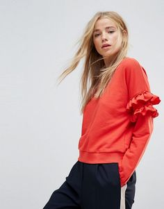 Buy New Look Frill Sleeve Sweat at ASOS. With free delivery and return options (Ts&Cs apply), online shopping has never been so easy. Get the latest trends with ASOS now. Asos, Sweat Shirt, Zip Up Hoodies, Women's Sweatshirts, High Street Brands, Textiles, Cropped Hoodie, New Look, Fashion Online