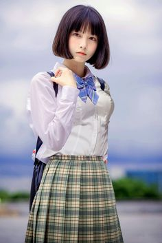 Image in asian girl collection by nezu on We Heart It School Girl Japan, School Uniform Girls, Cute Asian Girls, Cute Girls, Kawai Japan, Cute Japanese Girl, Japanese School, Asia Girl, Kawaii Girl