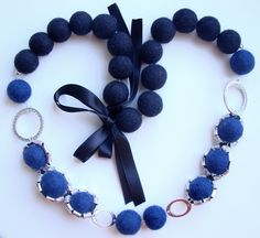Handmade Crafts: Jewelry, Wool Felts, Collages Online Shop