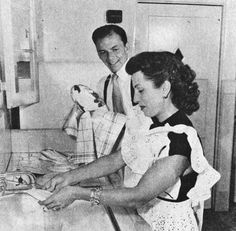 Frank and Nancy Sinatra do the dishes, 1947