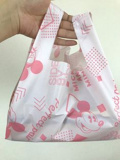 Packaging Dielines, Disney Designs, Chrochet, Sewing Techniques, Handmade Bags, Canvas Tote Bags, Sewing Crafts, Diy And Crafts, Quilts