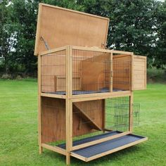 4ft Extra Large Double Decker Wooden Rabbit / Guinea Pig Hutch with Play Area & Run NEW 2012 Model