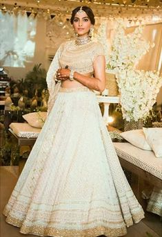 Planning a wedding this year? We bring you the latest bridal lehenga designs from different colours to different styles, to choose your perfect pick from. Indian Bridal Outfits, Indian Dresses, Bridal Dresses, Gold Lehenga, Lehenga Choli, Anarkali, Indian Lehenga, Sabyasachi, Pink Bridal Lehenga