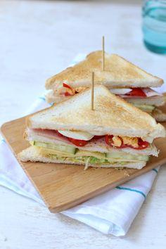 Club sandwich met ham en kaas
