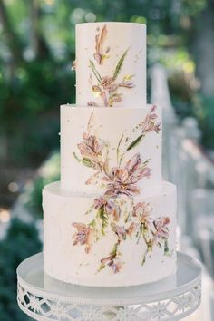 The prettier the cake, the harder it is to cut! This beautiful confection made by @lila.cakeshop is an art form. 😍 Go ahead and save this post for when you need some serious dessert inspiration. 🙌 | Photography: @lovelylight_imagery #stylemepretty #weddingcake #weddinginspiration #summerwedding Dessert Bar Wedding, Wedding Cake Rustic, Elegant Wedding Cakes, Beautiful Wedding Cakes, Wedding Desserts, Beautiful Cakes, Perfect Wedding, Wedding Cake Decorations, Wedding Cake Designs