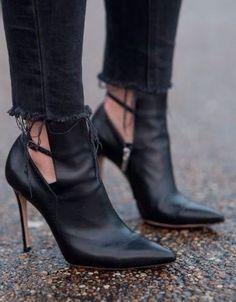 Cutout Black booties :: Gianvito Rossi