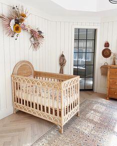 Baby Bedroom, Baby Room Decor, Nursery Decor, Baby Rooms, Nursery Ideas, Small Girls Bedrooms, Dream House Plans, Stylish Kids, Kids Furniture