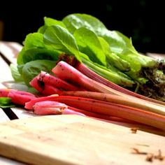 How to Grow Rhubarb - Tips for growing rhubarb, including how to plant rhubarb crowns, how to care for rhubarb plants, and how to harvest rhubarb plants. Fruit Garden, Edible Garden, Vegetable Garden, Veggie Gardens, Growing Vegetables, Fruits And Vegetables, Organic Gardening, Gardening Tips, Rhubarb Cobbler