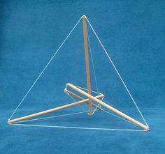 Tensegrity outlining a tetrahedron by Marcelo Pars.