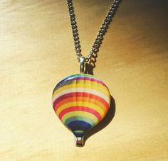 Hot-Air-Balloon-Charm-Necklace-Cute-Quirky-Kitsch-Rockabilly