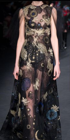 Valentino solar system dress fantasy fashion nerdy fashionista This is a good choice to checkout. Buying something on sale is a special feeling. Fashion Week, Runway Fashion, Fashion Art, High Fashion, Fashion Show, Womens Fashion, Fashion Design, Beautiful Gowns, Beautiful Outfits